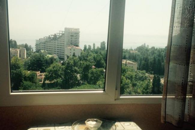 Крым Партенит  Аренда квартира посуточно    С видом на море и Медведь-гору