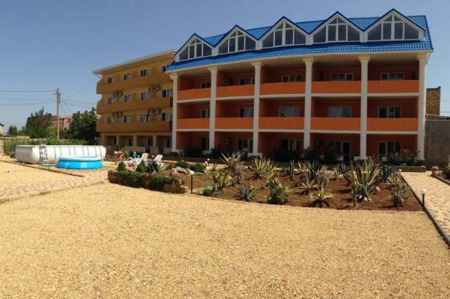Гостиница с бассейном  Крым, Сакский район,  Новофедоровка