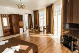 Двухкомнатный Люкс» с Балконом и Видом на Море   Крым Отель с бассейном   золотой пляж Феодосия