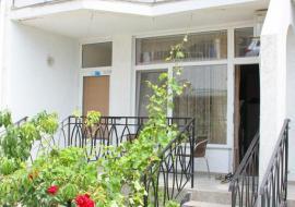 Апартаменты  - Двухкомнатный полулюкс        Отдых в Коктебеле