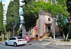 Мечта центр города ул Калядина (15 Апреля ) - Алушта гостиница Мечта