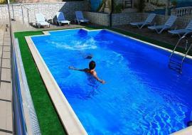 Парк-отель  - гостиница в Алуште  с бассейном